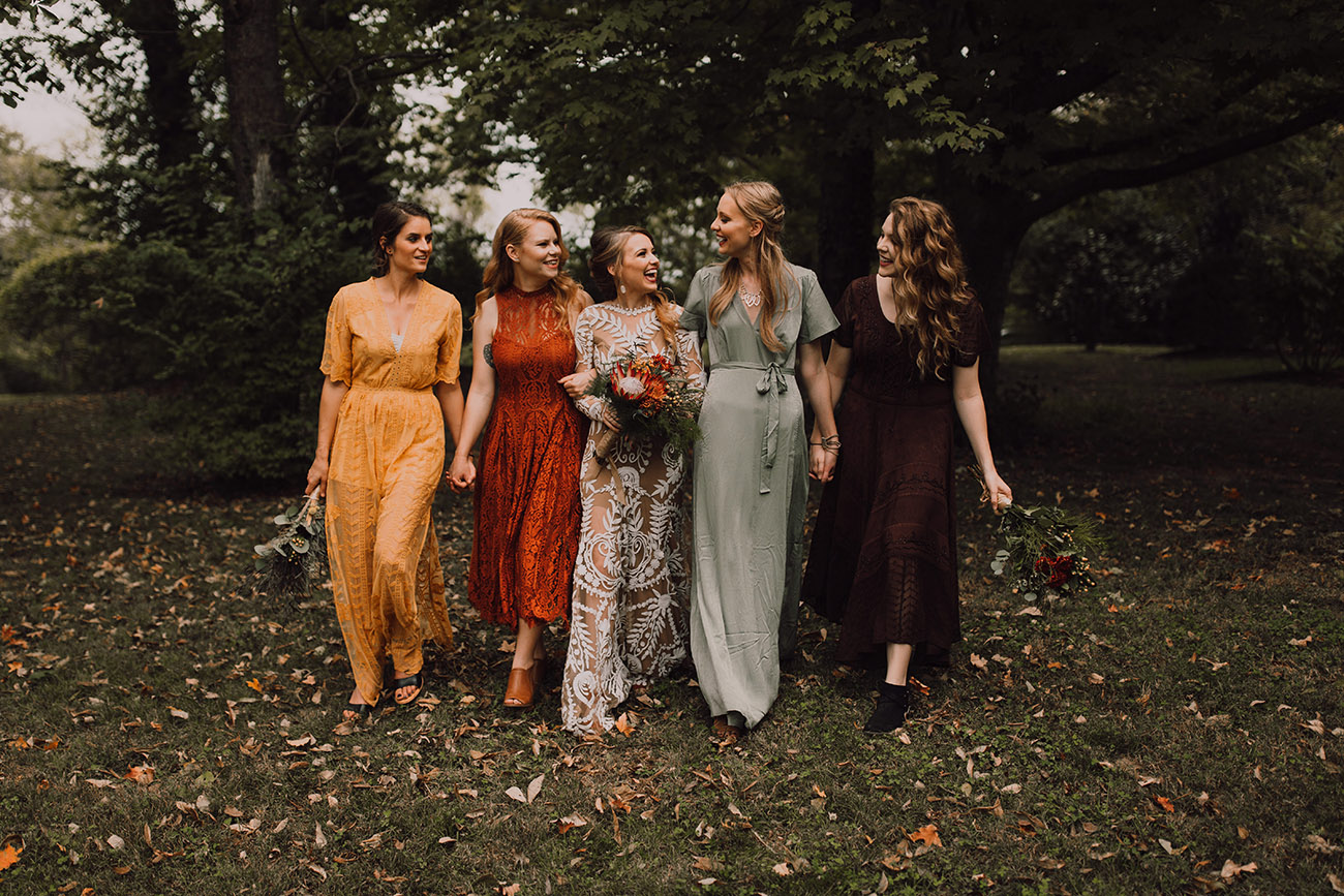 Bride and her bridesmaids in Fall colors.